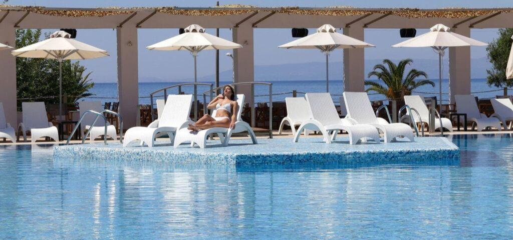 Πακέτο διακοπών καλαμάτα, elite city resort, πισίνα
