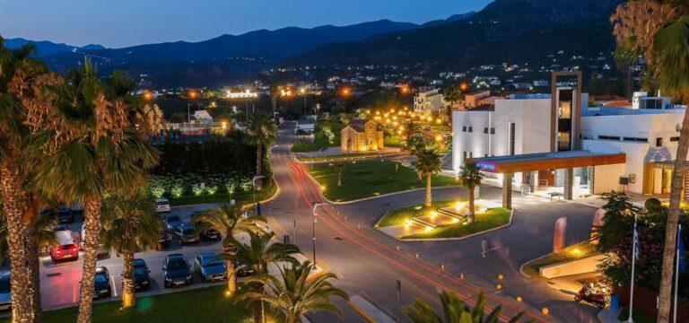 Πακέτο διακοπών καλαμάτα, elite city resort, βράδυ